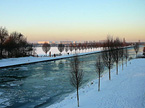 Kanal im Winter